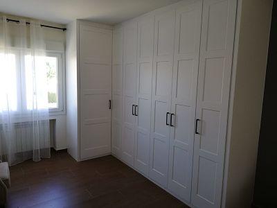 vestidor con puertas