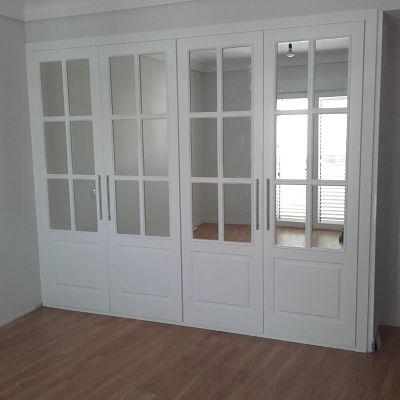 armario abatible con espejo
