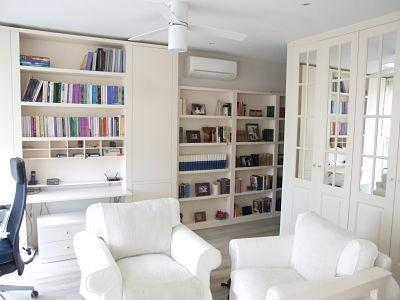 estantería y armario blanco