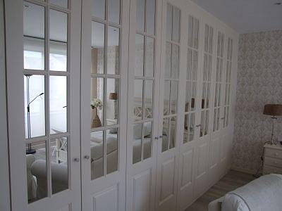 armario abatible con espejos